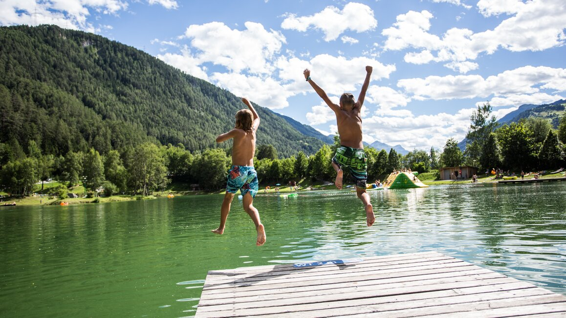 Swimming lake in Ried © TVB Tiroler Oberland